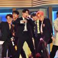 "Do Billboard Music Awards 2019: BTS e Halsey performaram ""Boy With Luv"""