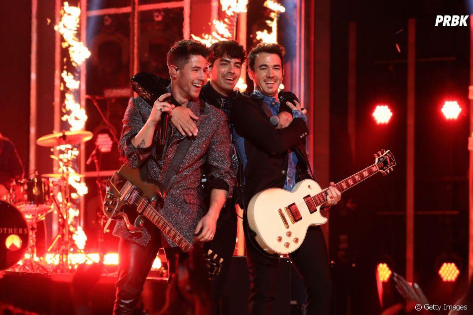 Jonas Brothers arrasam com apresentação no Billboard Music Awards 2019