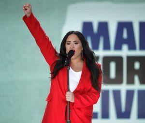 """Demi Lovato se manifestou sobre aprovação da lei antiaborto: """"Meu corpo. Minhas morais. Minha vida. Minha escolha. Não sua"""""""