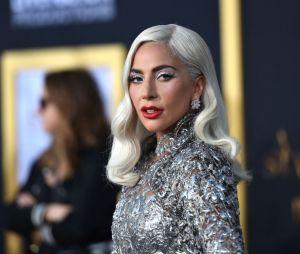 """Lady Gaga se solidarizou com as mulheres e diz que reza """"por todas essas mulheres e jovens que sofrem nas mãos deste sistema"""""""