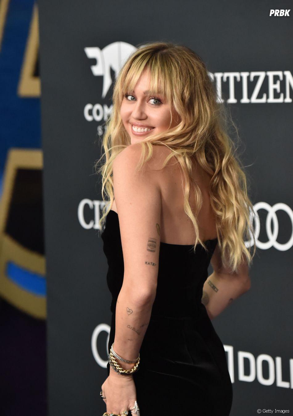 """Miley Cyrus arrasou no álbum """"She is Coming""""!"""