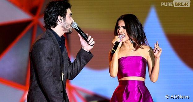 """Apontados como supostos namorados, Manu Gavassi e Fiuk dividiram o palco no """"Meus Prêmios Nick 2014"""""""