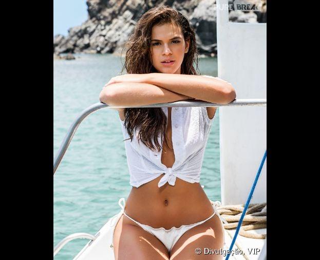 """Por voto popular, Bruna Marquezine foi eleita a """"Mulher Mais Sexy do Mundo"""" em votação promovida pela revista VIP"""