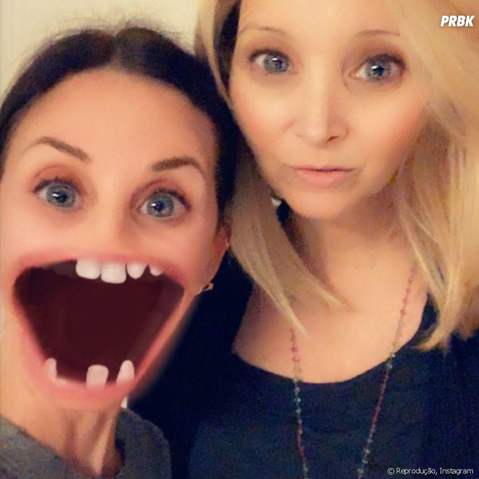 """Courteney Cox e Lisa Kudrow, de """"Friends"""", vivem compartilhando registros engraçads"""
