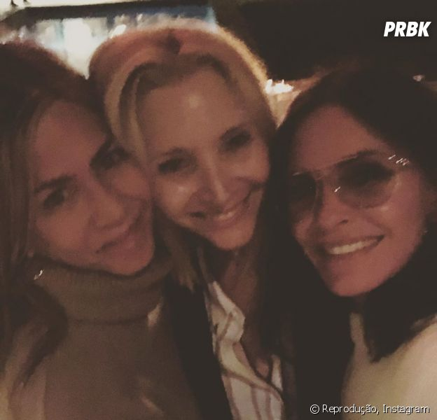"Jennifer Aniston, Lisa Kudrow e Courteney Cox, de ""Friends"", se reencontram e fãs surtam!"