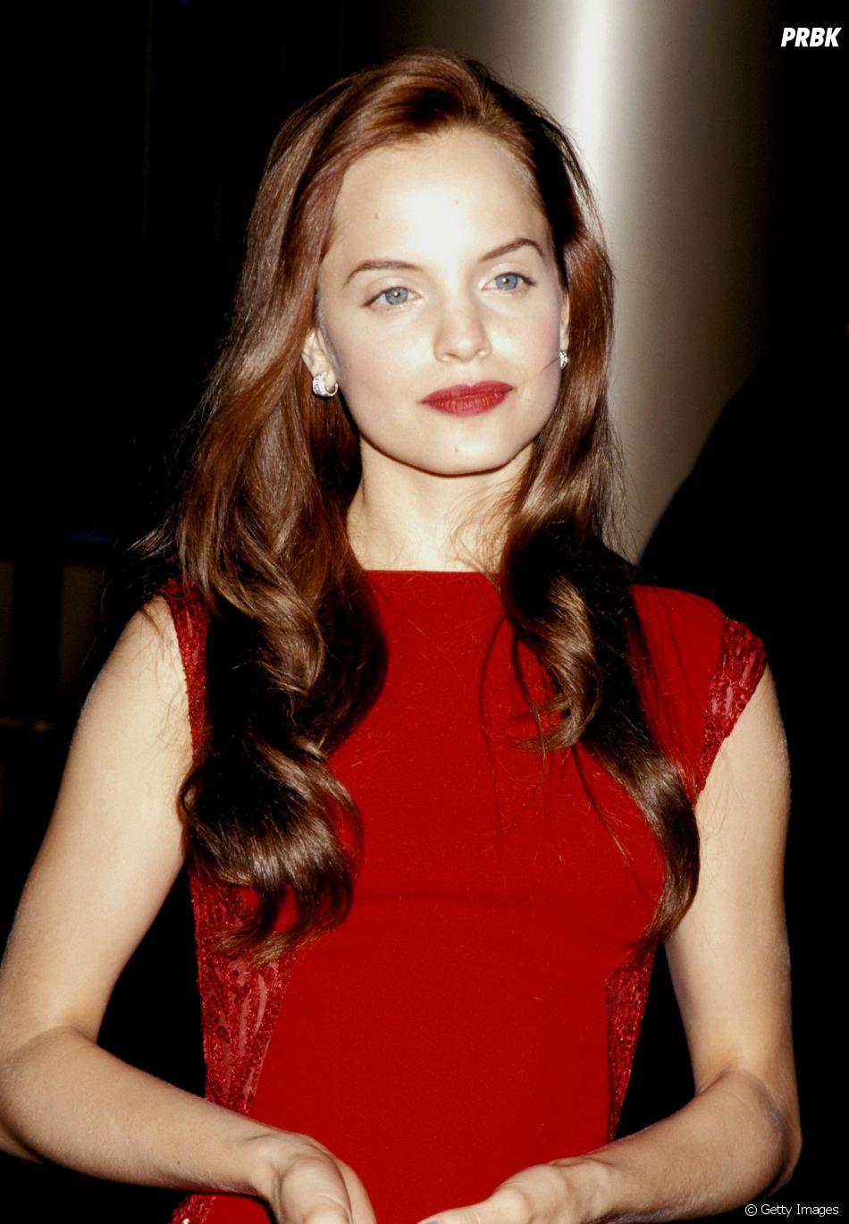 Em 1999, Mena Suvari vivia Heather, que é cortejada por Oz
