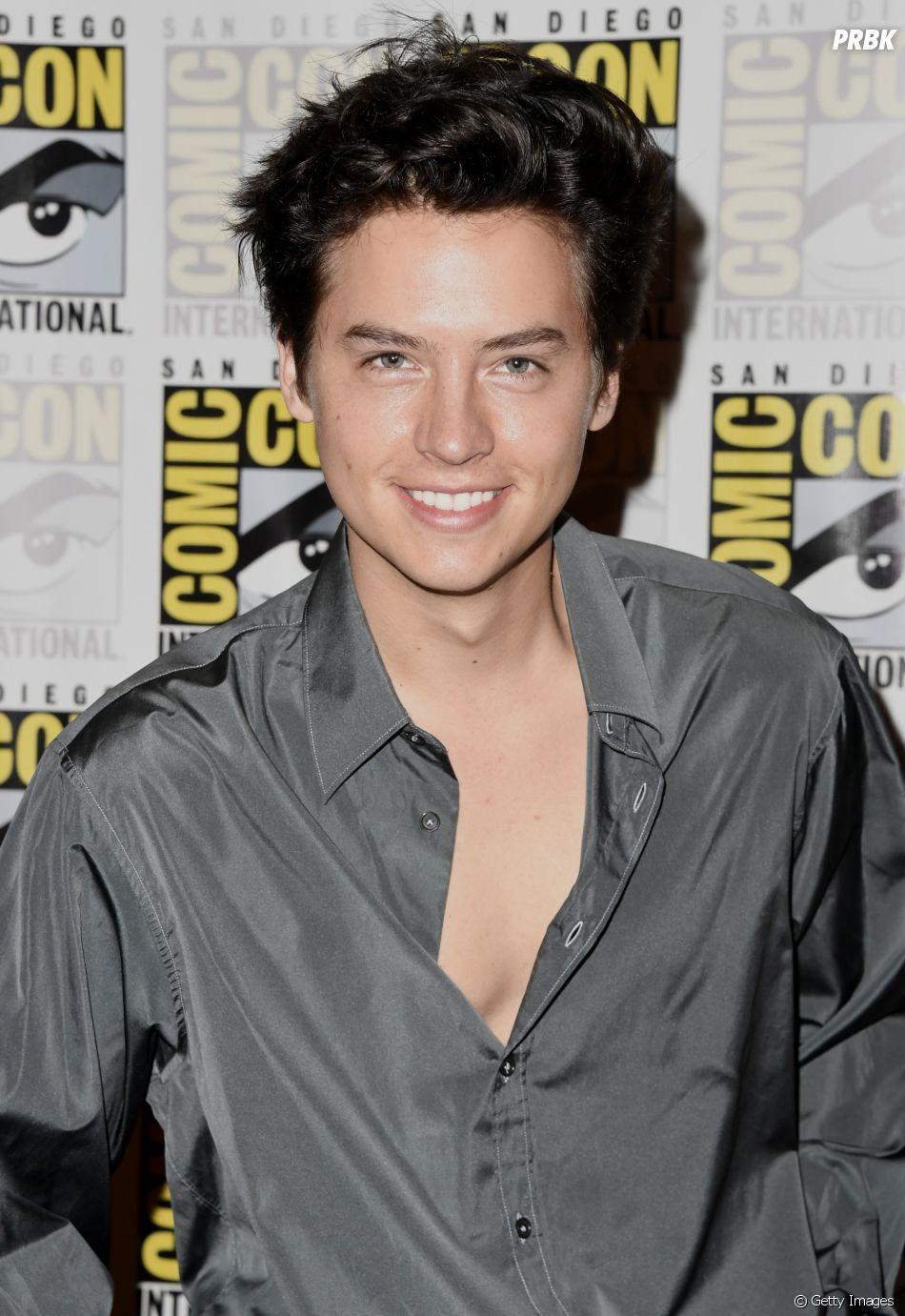 """""""Riverdale"""":Jughead (Cole Sprouse) não vai morrer na 4ª temporada, mas pode ficar solteiro"""