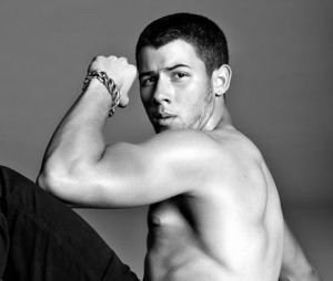 Nick Jonas faz aniversário nesta segunda: relembre início da carreira, casamento com Pryanka e muito mais