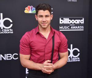Nick Jonas é uma mistura de galã sexy e príncipe fofo e estas fotos são a prova