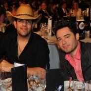 Fernando & Sorocaba mudam capa de CD quase idêntica à de John Mayer