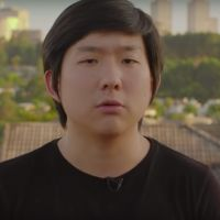 "Neste Setembro Amarelo, Pyong Lee faz alerta sobre depressão e suicídio: ""Converse"""