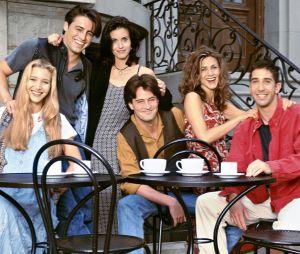 """""""Friends"""", """"Riverdale"""" e mais:confira todas as atrações que vão rolar no estande da Warner na CCXP 2019"""