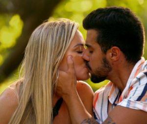 """""""De Férias com o Ex Brasil"""": inscrições para 6ª temporada estão abertas e MTV avisa que não pode ter medo de causar em rede nacional para participar"""