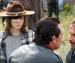 """The Walking Dead"": Carl (Chandler Riggs) deve ter morrido para ""transformar"" Rick (Andrew Lincoln) e Negan (Jeffrey Dean Morgan)"