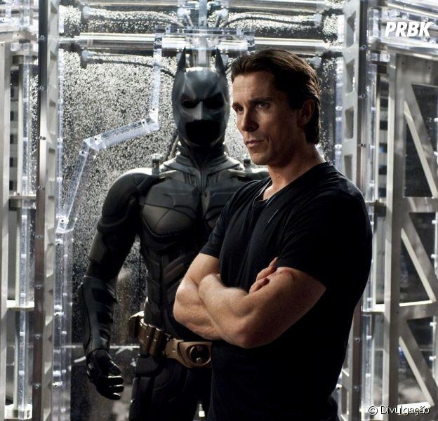 "Christian Bale, que interpretou o super-herói Batman na franquia ""Batman Begins"" (2005), fala sobre a escolha de Ben Affleck em ""Batman V Superman: Alvorecer da Justiça"""