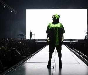 """Billie Eilish dá início às apresentações da """"Where Do We Go? World Tour"""", em Miami, e setlist é liberada"""