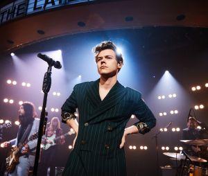 Billboard elogia Harry Styles e diz que cantor é o ex-One Direction de maior impacto na indústria da música
