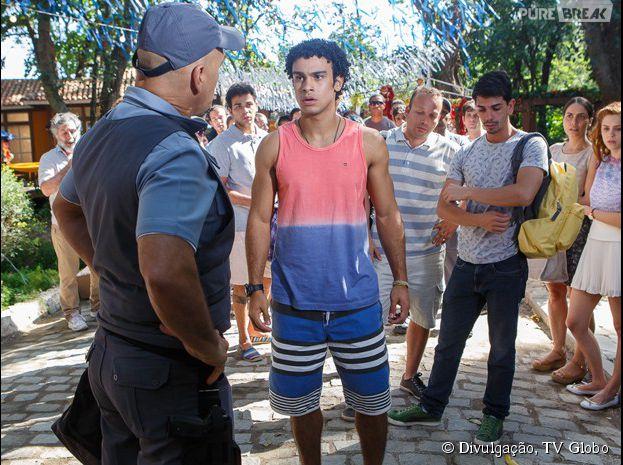 """Em """"Alto Astral"""", Emerson (Sérgio Malheiros) é acusado de roubo!"""