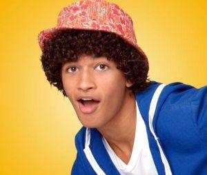 "Jordan Fisher, de ""Dançarina Imperfeita"", fez ""Teen Beach Movie"", musical do Disney Channel"