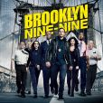 """""""Brooklyn 99"""" conta a história de um grupo de policiais e detetives"""