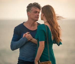 """""""Totalmente Demais"""": Eliza (Marina Ruy Barbosa) e Arthur (Fábio Assunção) podem ficar juntos no final. Você torce para esse casal?"""