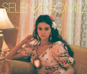 """Selena Gomez lançou nesta sexta-feira (15) o single """"De Una Vez"""", o primeiro em espanhol"""