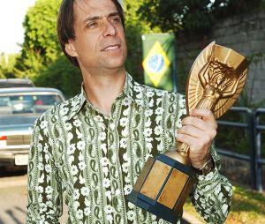 """""""A Grande Família"""": Agostinho Carrara (Pedro Cardoso) sempre usava umas combinações muito doidas de roupa!"""