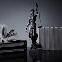 6 séries para assistir se você quer fazer Direito na faculdade