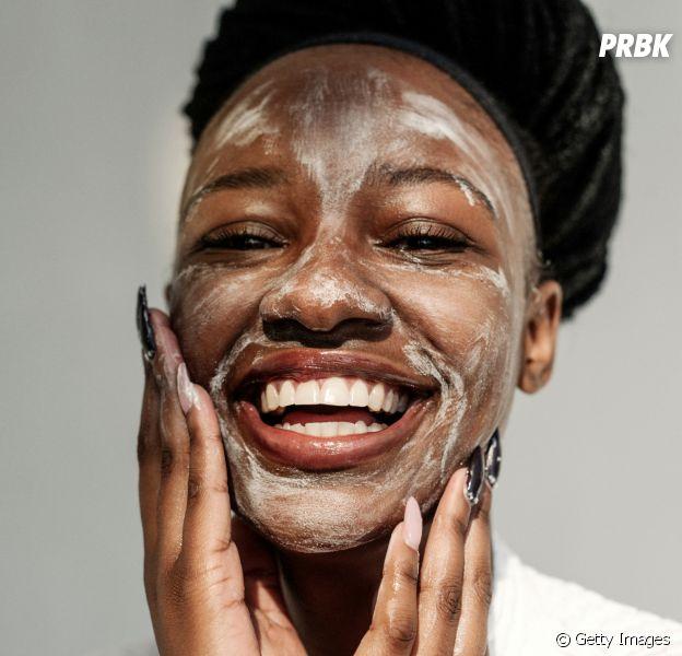 Skincare para pele negra: Confira 5 informações essenciais