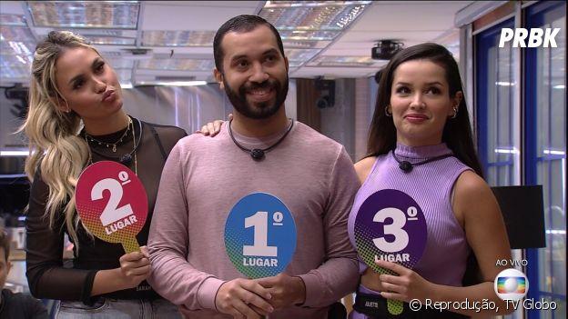 """""""BBB21"""": Gilberto escolhe Sarah e Juliette para primeira formação de pódio da edição"""