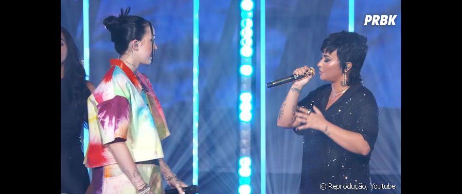 """Demi Lovato e Noah Cyrus apresentam """"Easy"""" em festival do Youtube"""