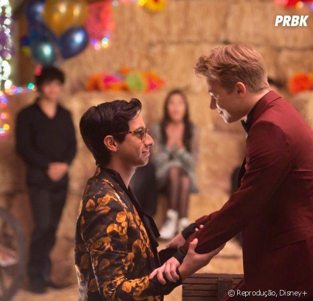 """Série de """"High School Musical"""" entrega primeira música romântica da Disney para um casal LGBTQIAP+"""