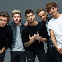 "One Direction se prepara para o Natal e divulga prévia incrível de ""Little Things"" na web!"