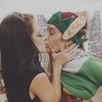 Miley Cyrus beija mulher, mostra os peitos e posta tudo isso no Instagram!