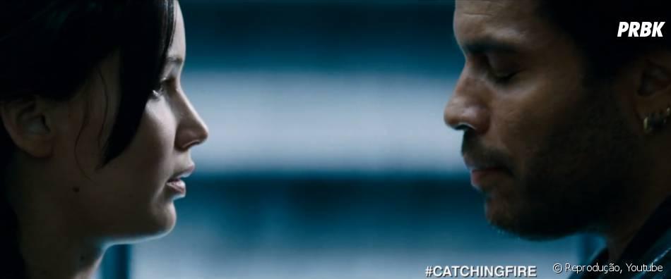 """A despedida de Katniss (Jennifer Lawrence) e Cinna (Lenny Kravitz) vai deixar muita gente chocada em""""Jogos Vorazes: Em Chamas"""""""