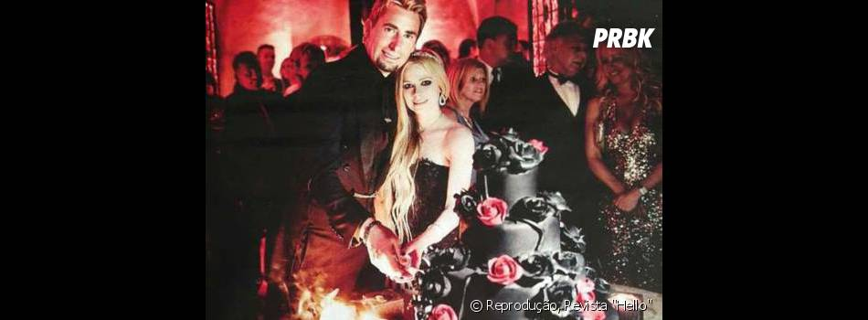 """Apesar do jeito moleca, Avril Lavigne fala que faz o que pode para não estragar seu casamento com Chad Kroger: """" Nós não vamos a festas separados. Nós queremos cuidar bem dele (do casamento)"""""""