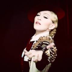 "Madonna libera clipe explosivo para o hit ""Living For Love"" no VEVO!"