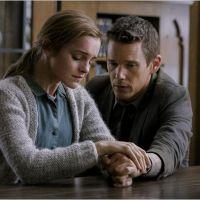 """Emma Watson fala espanhol em trailer dublado do filme """"Regression"""". Confira!"""