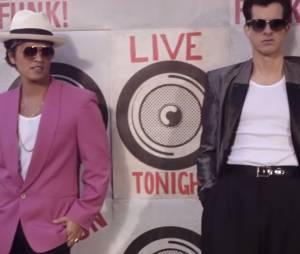 "Bruno Mars e Mak Ronson no hit explosivo ""Uptown Funk"""
