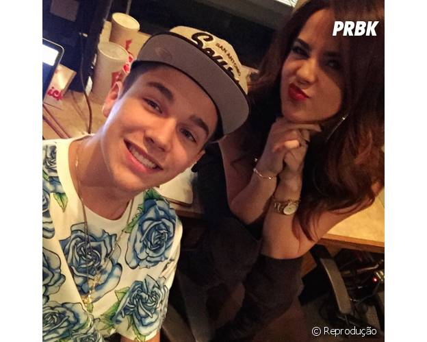 Austin Mahone e Becky G posam no intervalo das gravações do novo CD do astro teen