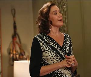 """Maria Marta (Lilia Cabral) fica revoltada com notícia de Zé Alfredo (Alexandre Nero) em """"Império"""""""