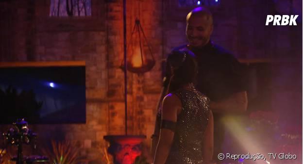 """No """"BBB15"""": Rafael e Tamires se beijam, Amanda e Fernando flertam e Talita reclama de coração partido sobre a festa Magia"""