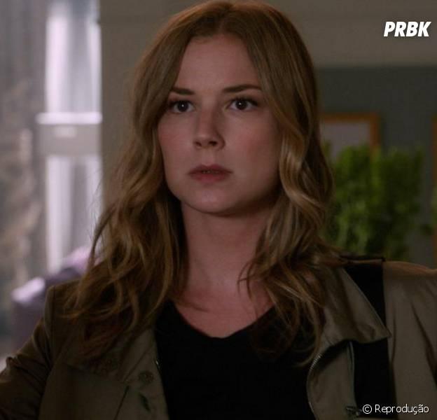 """Em """"Revenge"""", Emily (Emily VanCamp) vai ter problemas depois que for investigar um incêndio"""