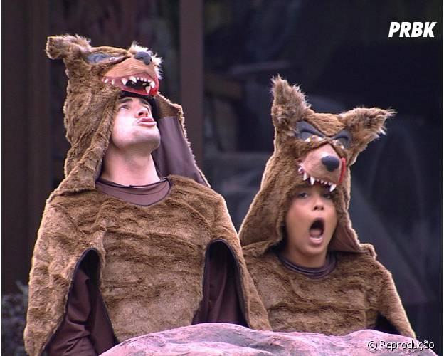 """No castigo do monstro do """"BBB15"""": Amanda e Rafael vão ter que uivar como lobos"""