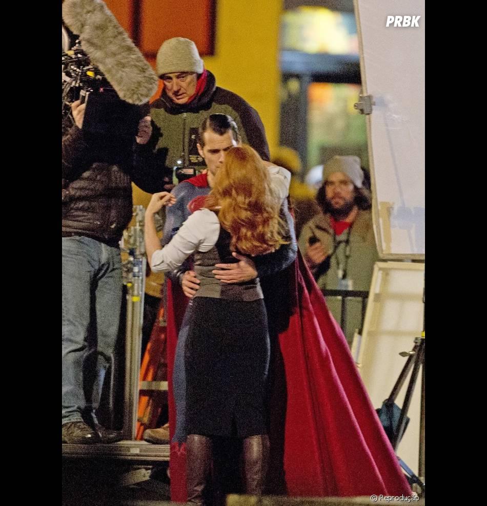 "Henry Cavill (Superman) e Amy Adams (Lois Lane) promete protagonizar boas cenas românticas em ""Batman V Superman"""