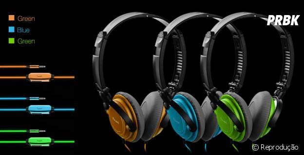 A marca Power4 também oferece a opção de headfones com brilho de LED no cabo