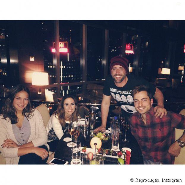 Bruna Marquezine e Tatá Werneck sairam bastante em Nova York e até encontraram Paulo Gustavo!
