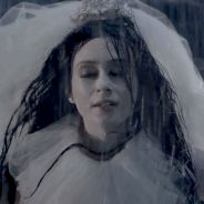 "Marina Ruy Barbosa, de ""Amorteamo"", encarna noiva suicida e comenta caracterização dark: ""Me ajudou"""