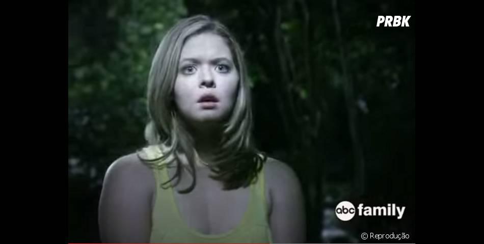 """Em """"Pretty Little Liars"""", Alison (Sasha Pieterse) aparece com novo visual e procurando suas amigas"""