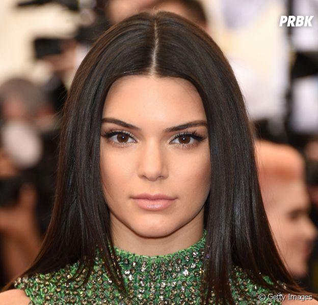 Kendall Jenner chora ao falar do pai, Bruce Jenner